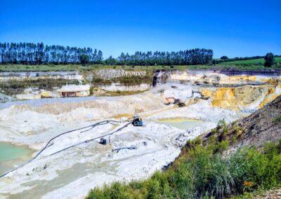Pedreira Distribuição e fornecimento de areia e pedra